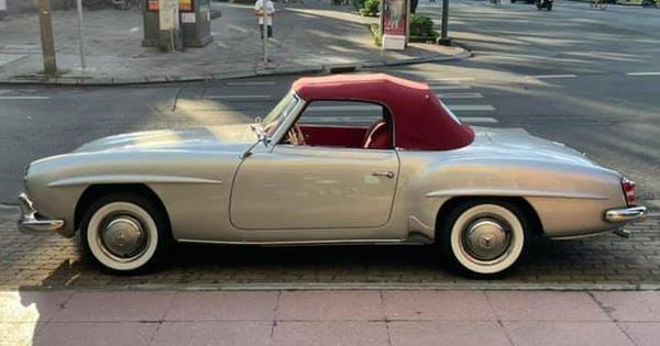 Thêm hàng cổ Mercedes-Benz 190SL xuất hiện tại Sài Gòn, phần mui xếp và bộ mâm là chi tiết gây nghi ngờ