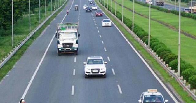 Từ năm 2020, ô tô đi sai làn đường có thể bị phạt đến 5 triệu đồng