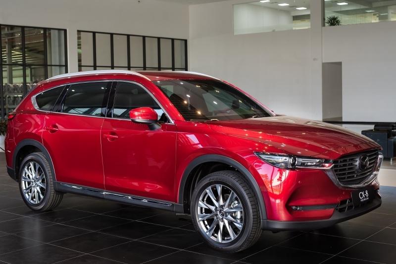 Mua xe 7 chỗ cho nữ lái, chọn Mazda CX-8 hay Mitsubishi Outlander?
