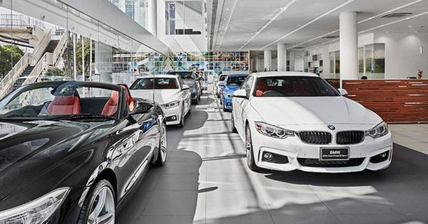 Loạt xe ô tô hạng sang nhập khẩu bất ngờ giảm giá tới gần 200 triệu dịp cuối năm