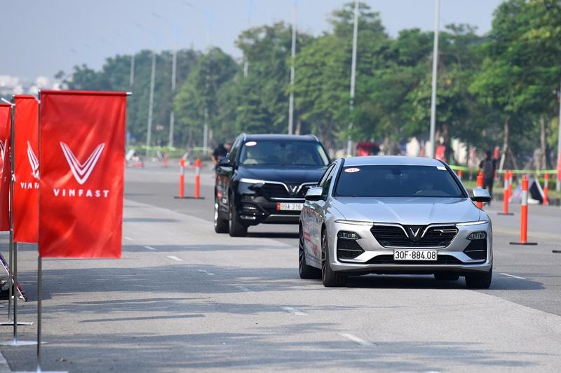 VinFast tặng 100% lệ phí trước bạ cho khách mua xe