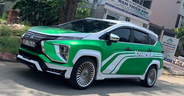 Mitsubishi Xpander ăn chơi nhất Việt Nam: Độ mâm giống Maybach nhưng lớp decal khiến ai cũng tưởng Grab