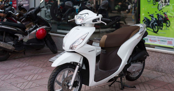 Chấm dứt chuỗi ngày tăng cao, giá xe Honda Vision 2021 bất ngờ giảm khiến nhiều đại lý