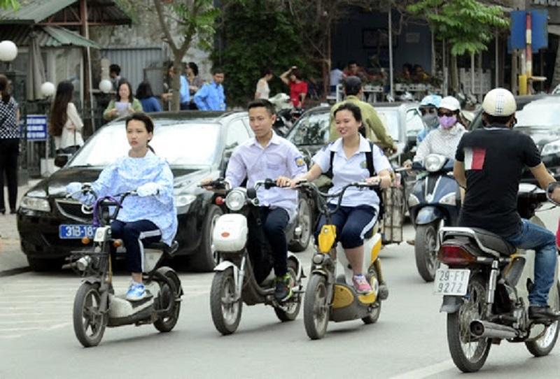 Xe máy dưới 50cc và xe đạp điện cần GPLX A0 để tham gia giao thông