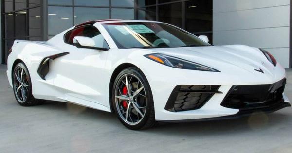 'Siêu xe giá rẻ' Chevrolet Corvette C8 khoảng 7 tỷ đồng đầu tiên về Việt Nam