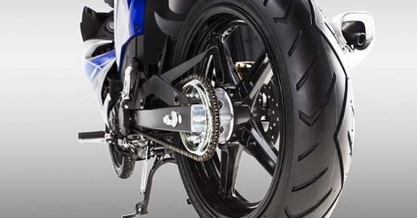 Tại sao 2 bánh trên xe máy lại có kích thước khác nhau?