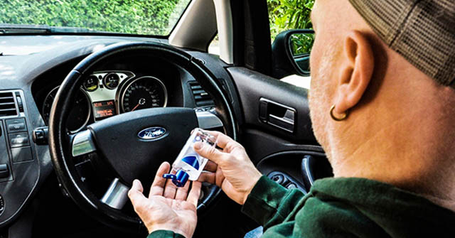 Tự bảo vệ sự khỏe và phòng tránh dịch Covid-19 bên trong khoan nội thất xe hơi
