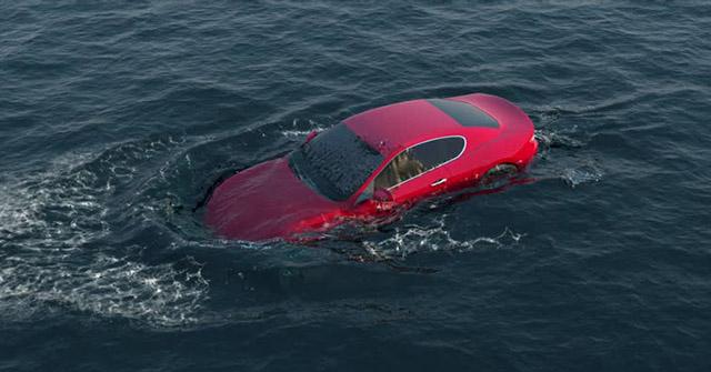 Hiện tượng thủy kích của ô tô và những lưu ý khi lái xe trong điều kiện ngập nước