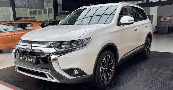 Mitsubishi chơi lớn: Khuyến mại tất tay các dòng xe đang bán ở Việt Nam, Xpander giảm hàng chục triệu, Outlander thêm