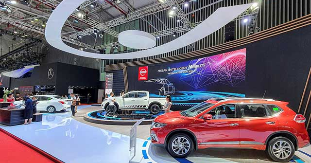 Giá xe vẫn giảm ngay sau Tết, Nissan giảm giá sâu Terra, Navara, X-Trail và Sunny