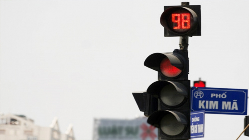Các mức phạt lái xe vượt đèn đỏ năm 2021