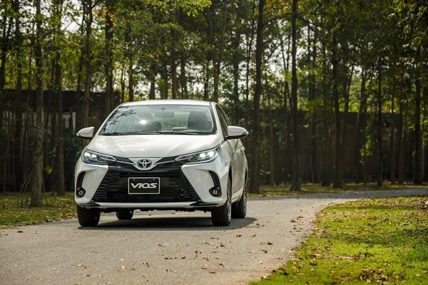 Toyota Vios 2021: Khuyến mãi, giá xe, lăn bánh tháng 6/2021