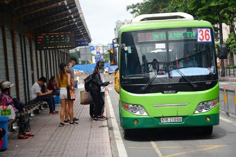 Đổi tên xe buýt thành xe khách đường phố: Dân không cần 'chơi chữ'