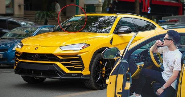 Con trai bầu Hiển 'cưỡi' Lamborghini Urus trang bị độc ra phố, mảnh giấy trên kính lái gây tò mò