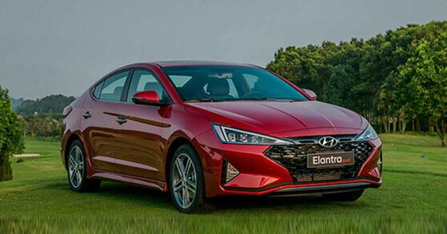 Giá xe Hyundai Elantra lăn bánh mới nhất tháng 9/2020