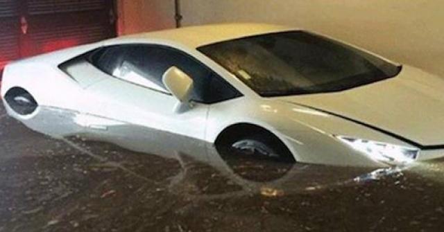 Mua ô tô cũ, làm thế nào để biết xe đã bị ngập nước?