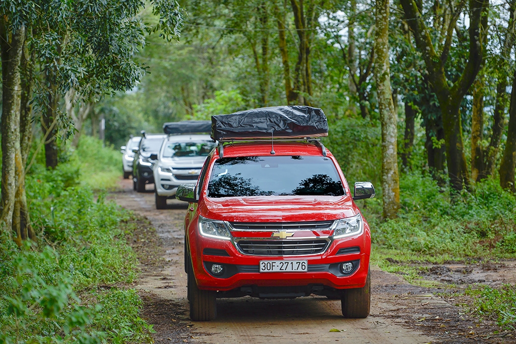 Chevrolet Trailblazer giảm giá hơn 200 triệu, thách thức Fortuner