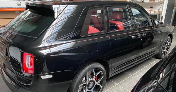 Rộ tin Rolls-Royce Cullinan Black Badge thứ 2 đang trên đường về Việt Nam, giá hơn 40 tỷ đồng