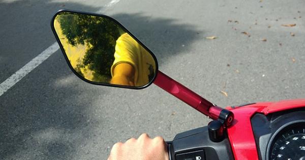 Lắp gương kiểng cho xe máy có bị phạt không?