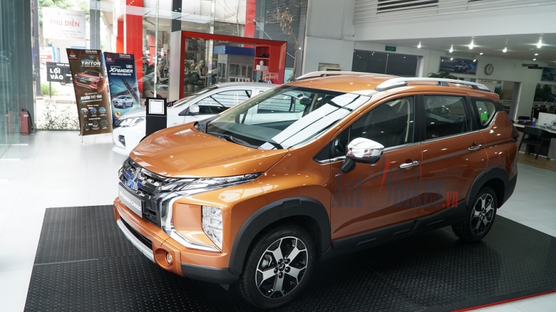So sánh Mitsubishi Xpander Cross và Toyota Rush