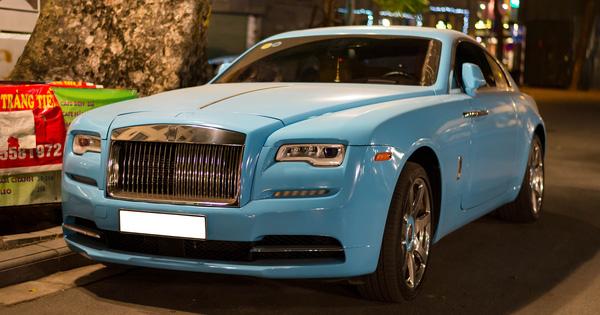 Rolls-Royce Wraith từng gặp tai nạn khiến Honda CR-V lật ngửa lột xác với màu sơn hoàn toàn mới