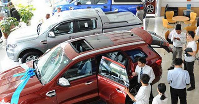 Doanh số bán ra xe ô tô các hãng giảm mạnh trong tháng 8/2020