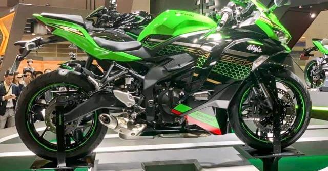 """""""Quỷ vương 4 máy"""" Kawasaki Ninja ZX-25R sắp bán tại Việt Nam?"""