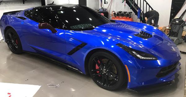 Dân chơi Trà Vinh đổi màu Chevrolet Corvette C7 Stingray giá hơn 4 tỷ đồng
