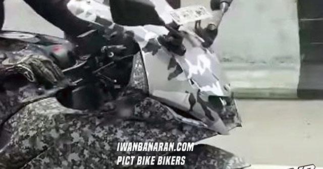 """Yamaha R15 V4 lại tiếp tục """"lộ hàng"""" tại Indonesia"""