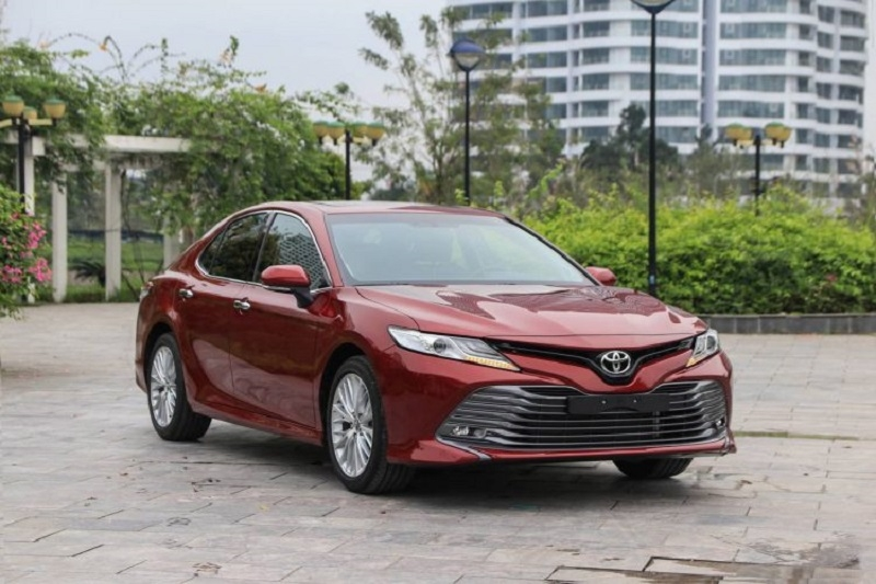 Toyota Camry thống trị phân khúc xe hạng D