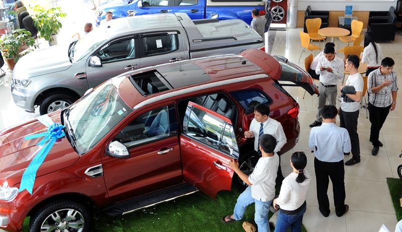 10 ngày bán hơn 20.000 xe và câu chuyện giá ô tô tại Việt Nam