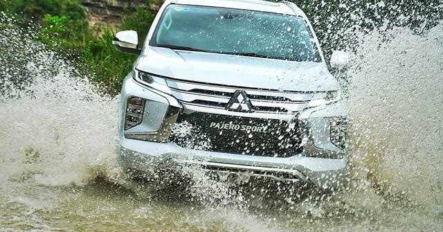 Giá xe Mitsubishi Pajero Sport lăn bánh tháng 11/2020