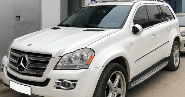Sau 11 năm, 'khủng long' Mercedes-Benz GL 550 bán lại ngang giá Hyundai Tucson thế hệ mới