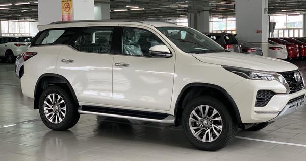 Toyota Fortuner bản nâng cấp mới về Việt Nam: Giá từ hơn 1,15 tỷ đồng, thêm trang bị cao cấp cạnh tranh Ford Everest
