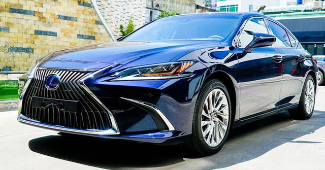 Lexus ES 2021 ra mắt thị trường Việt Nam, bổ sung trang bị, giá không đổi