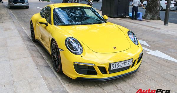 Bắt gặp Porsche 911 Carrera GTS vàng hành tung bí ẩn nhất Việt Nam